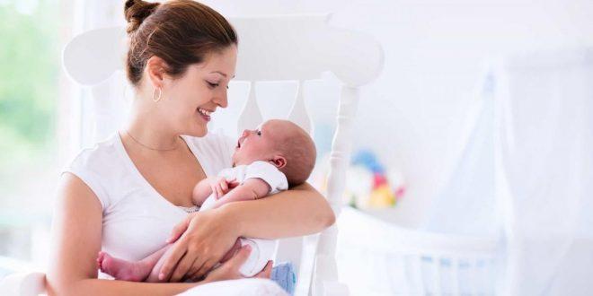 صورة صور عن الامومة , تعرف على ما تفعل الام مع الابن بالصور