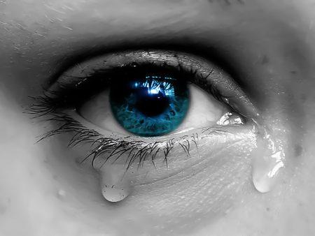 صورة صور ناس تبكي , صور عيون حزينة