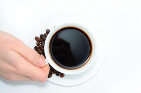 صورة تفسير عمل القهوة في المنام , الحلم بعمل القهوه