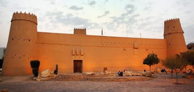 صورة رسم قصر المصمك , بكل سهولة شوف ترسم ازاى قصر المصمك