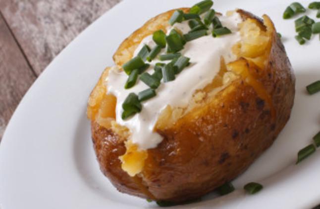صورة طريقة عمل بطاطس مشوية , طريقة جديدة لعمل البطاطس