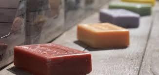 صورة طريقة عمل صابون الغسيل , كيف تصنعين صابون الغسيل النقي في المنزل باقل التكاليف